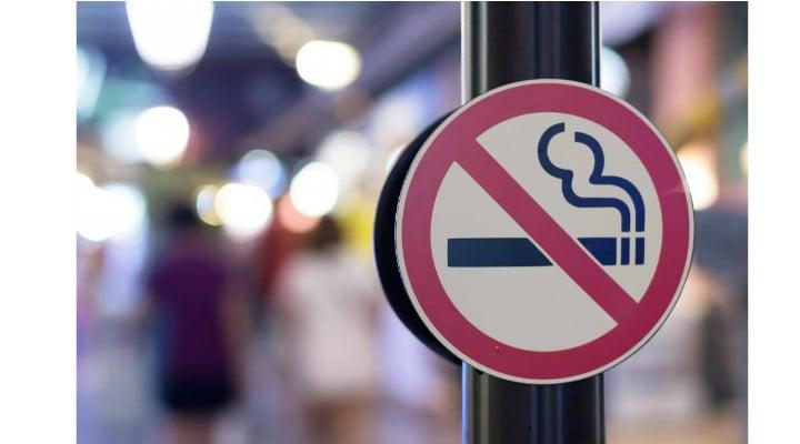 """Florin Iaru: """"Propunerea USR cu privire la companiile de tutun va prinde și va avea succes... Cum nefumătorii sînt de două ori mai numeroși decît fumătorii, USR va cîștiga mulți adepți care au stat pînă acum la cutie. Asta e viața, au calculat bine. Dacă mă pierd pe mine de votant ..."""" 1"""