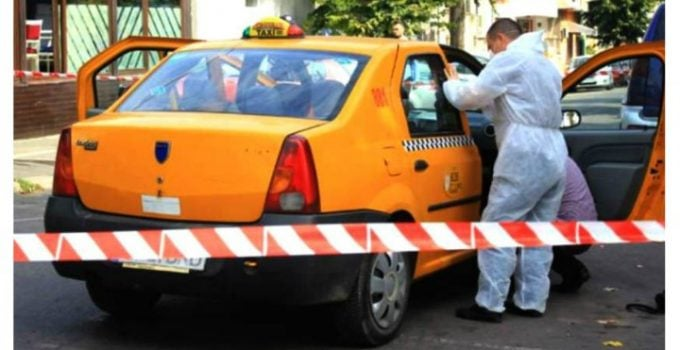 """Taximetrist mort la volan, claxonat de ceilalţi şoferi. Colegă: """"Au fost deranjaţi că s-a găsit să moară acolo. S-a oprit vreunul să vadă dacă e bine? Știu ei prin ce calvar a trecut omul ăla să aibă licența lui, să muncească legal? Știu ei că avea ..."""" 5"""