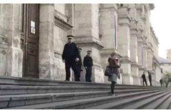"""Tudor Chirilă: """"Judecătoarea care a ieșit ieri singura pe treptele tribunalului, in ciuda intimidării jandarmilor, merita respectul oricărui cetățean care se gândește ca la un moment dat ar putea fi in aceeași situație.Mi-ar plăcea sa știu ca..."""" 6"""