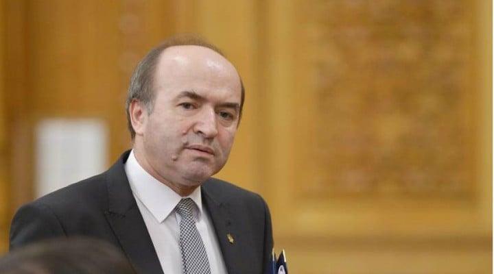 FSNAP: Ministrul Tudorel Toader are un dosar pentru abuz în serviciu în care a fost începută urmărirea pentru fapte. Au început audierile 1