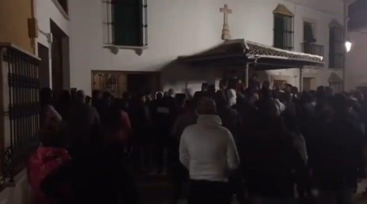 (Video) Prinși la furat, doi români din Spania au fost la un pas de a fi bătuți de un grup de spanioli din Casariche, un sat din Sevilla 1