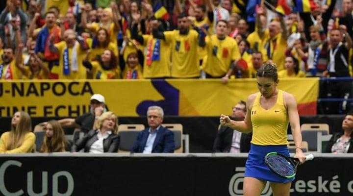"""Simona Halep: """"Anul acesta dau totul pentru FedCup. Sunt foarte mândră de această echipă! Sper să mergem mai departe cu bine. Pentru ţara noastră este un lucru enorm şi micuţii care se apucă de tenis trebuie să aibă încredere că ..."""" 1"""