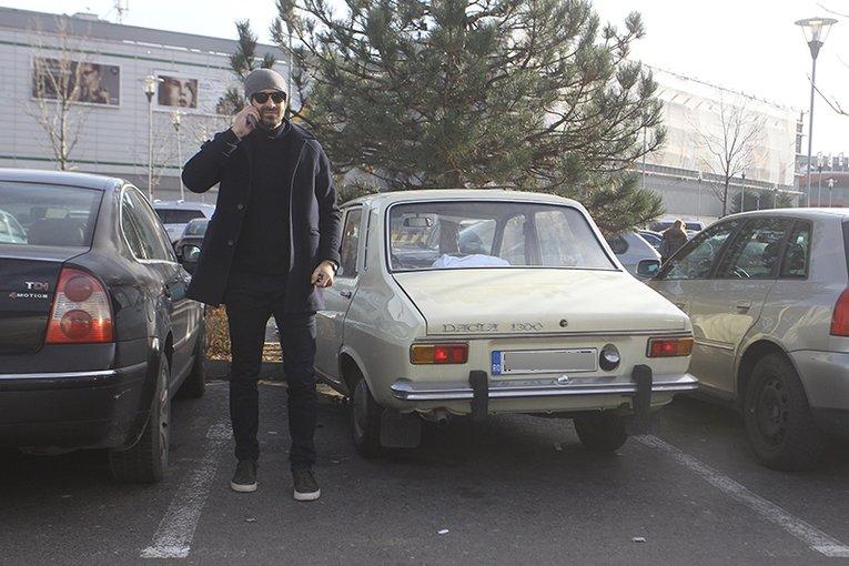 """(Foto) Unul dintre cei mai cunoscuţi chefi din România a renunţat la Range Rover pentru o… """"rablă"""" de 45 de ani! 1"""