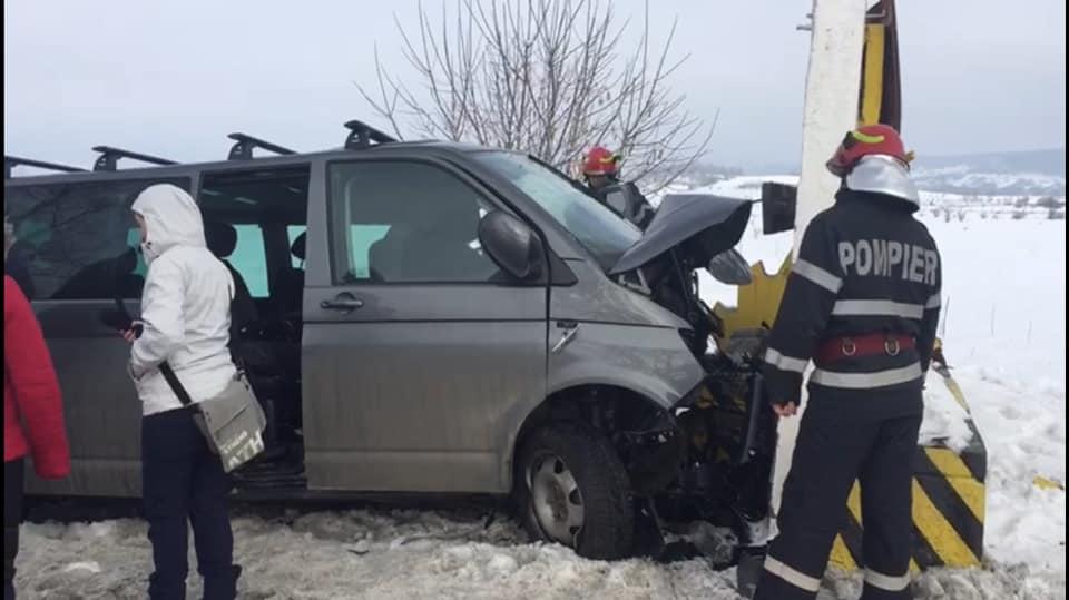 """(Foto) Respect, Lăcărmioara! ISU, despre accident cu 6 victime: """"A oprit mașina, și-a lăsat copiii în grija bunicilor și a fugit într-un suflet să le ajute pe cele 6 victime ale accidentului....La final, cineva îi turna apă dintr-o sticlă să-și spele mâinile de sânge...apoi ..."""" 1"""