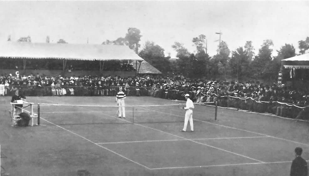 """Dan Negru: """"Simona Halep a fost o întâmplare. Fericită dar o întâmplare. Așa cum a fost Generația de Aur la Mondialele din America sau Steaua la Sevilla. Primul turneu Australian Open a avut loc in 1905 ! Noi ne pregăteam de Răscoala de la 1907 din Flămânzi.  Channel 9 difuzează acum fotografii de la ..."""" 2"""