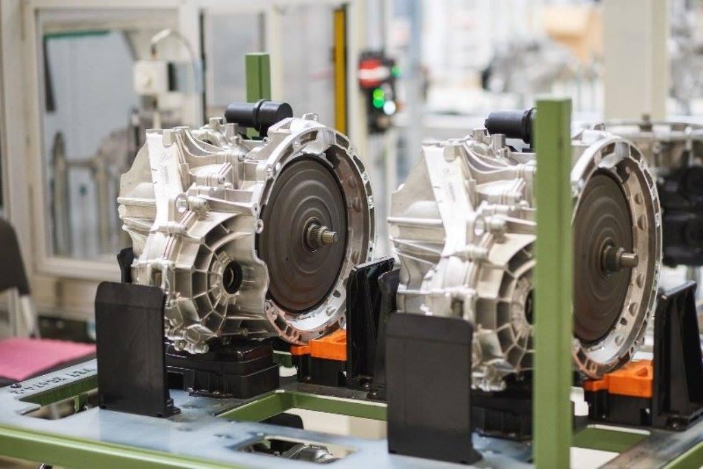 (Foto) În România. Noua cutie de viteze automată în opt trepte 8G Duble Clutch Transmission se produce începând de săptămâna trecută, la fabrica Daimler 2