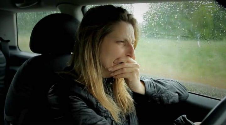 Româncă din străinătate, jefuită pe o autostradă din România,  de tot ce câștigase la muncă. Amenințată cu cuțitul la gât 1
