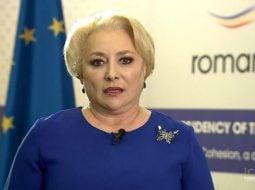 """Răzvan Chiruţă:""""E admirabil că Viorica Dăncilă a înfiat un copil. Dar atât....Și Ceaușescu își iubea copiii, dar îi disprețuia pe toți ceilalți.... Ea conduce guvernul care scoate infractorii din închisoare, pe cei care omoară, violează sau fură copiii altora, cabinetul care a..."""" 18"""