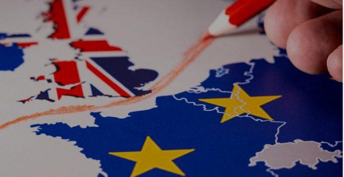 """Român din Anglia: """"Iată ce cred că se va întâmplă în UK în următoarele luni:va urma o foarte previzibilă criză de produse de import (perisabile: fructe, legume precum și medicamente), vom vedea magazine cu rafturi goale și o să apară practica statului la cozi - EU va propune să ..."""" 25"""
