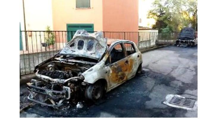 4 mașini ale românilor din Italia, incendiate în ultima lună de zile 1