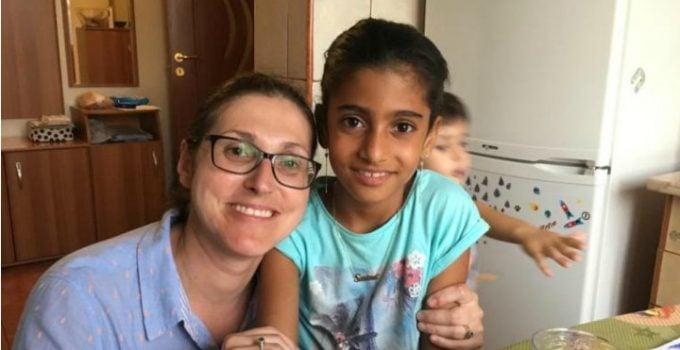 """Dan Adrian Cherciu: """"Să o luăm pe rând și fără emoții:-mama nu era mamă, ci asistent maternal;-ne place sau nu, un copil are șanse mult mai mari de a-i fi bine în America decât în România actuală;-fetița a fost speriată de ..."""" 11"""