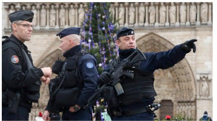 """Atac Târgul de Crăciun din Strasbourg. Mihaela Gherghisan: """"La aceasta ora ar fi 2000 de persoane blocate în Parlamentul European....  Primarul orasului Strasbourg anunta ca..."""" 1"""