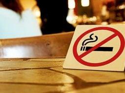 """Român în America:""""În campusul universității de medicină americane unde îmi petrec anul fumatul este complet interzis. Inclusiv afară ...  Şi da, fumatul interzis înseamnă inclusiv țigările electronice.  Şi nu, nu e o universitate..."""" 13"""