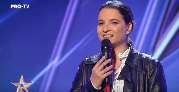 """(Video)Cristina Ţopescu, despre croitoreasa de la """"Românii au talent""""care a primit golden buzz-ul: """"Ca mulţi alţii, am zâmbit puţin răutăcios, când a început să cânte m-a amuţit.Cât de des suntem ..."""" 13"""