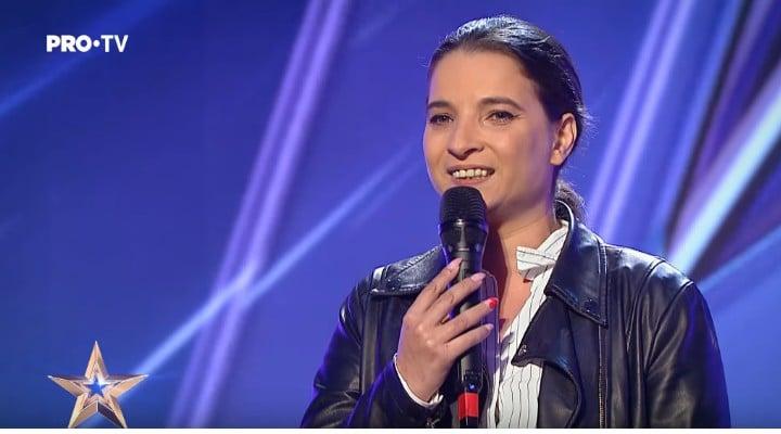 """(Video)Cristina Ţopescu, despre croitoreasa de la """"Românii au talent""""care a primit golden buzz-ul: """"Ca mulţi alţii, am zâmbit puţin răutăcios, când a început să cânte m-a amuţit.Cât de des suntem ..."""" 1"""