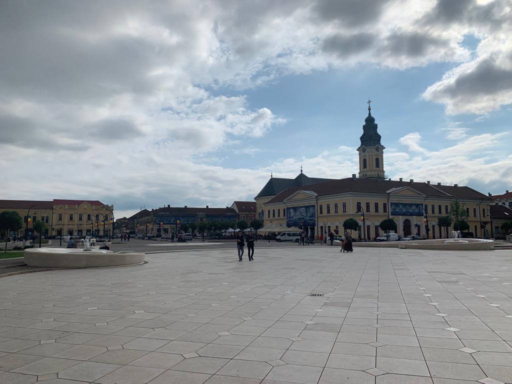"""(Foto) Rares Bogdan: """"Trebuie să vizitați Oradea, oameni buni! Eu, care am văzut cele mai importante orașe din această lume, sunt uluit! Aveți aici fapte, dovezi că se poate! Când pui inima la treabă, când ..."""" 5"""