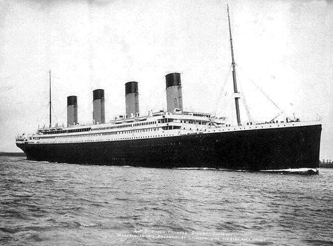 """Arde Notre Dame. Ce coincidențe. Camelia: """"15 aprilie 1912: """"Titanicul"""" se scufundă. Ia cu el 1.514 vieți15 aprilie 1989: Tragedia de pe """"Hillsborough"""": 96 de morți, 766 de răniți, cea mai mare dramă de pe un stadion european de fotbal din toate timpurile15 aprilie 2019: Catedrala Notre-Dame din Paris, una dintre cele mai frumoase opere gotice din lume, este mistuită de flăcări. Mor 800 de ani de istorie..."""" 1"""