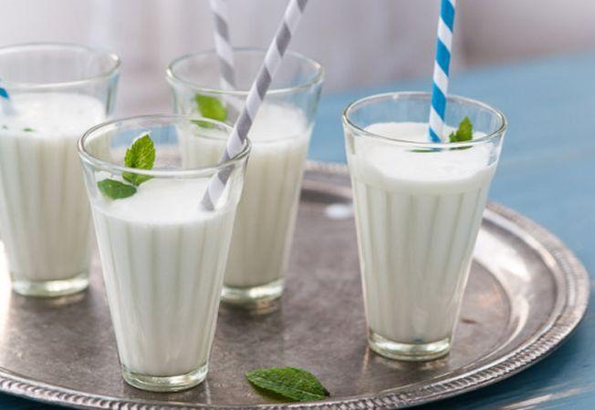 """Medicul nutriționist Mihaela Bilic: """"Ayran-ul, băutura verii: Când afară e cald tare, toată lumea spune să te hidratezi. Pe lângă apă, limonadă, ceai rece (fără zahăr!), ciorbă cu multe legume (și minerale), va propun o alternativă: ayran-ul..."""" 2"""