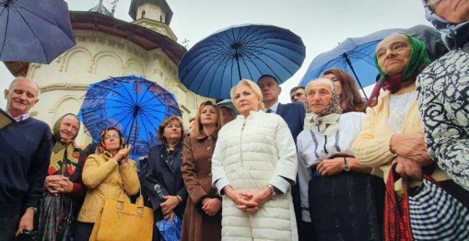 """Viorica Dăncilă speră că """"ura va fi însoțită de solidaritate"""". Discurs de președinte? 9"""