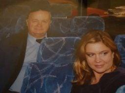 "Cristina Topescu: ""M-ati rugat sa va mai arat poze cu tatal meu, va multumesc, ma ajuta si pe mine asta, imi mai mangaie sufletul. Cum de postari politice nu prea am stare, ca prea au inceput sa se revarse zoaie din toate directiile, aleg sa postez amintiri cu tatal meu, un om care a trecut prin viata fara sa renunte vreodata la ONOARE"". 12"