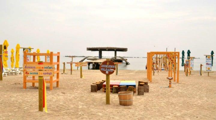 """(Foto) Proiect unic în România. Un psiholog a făcut o """"plajă terapeutică"""", GRATUITĂ, la Mamaia: """"Te rog sa-mi faci o vizita, daca ajungi vara aceasta pe litoral. Vreau sa te convingi ca povestea mea este adevarata. Plaja este destinata in principal ..."""" 1"""