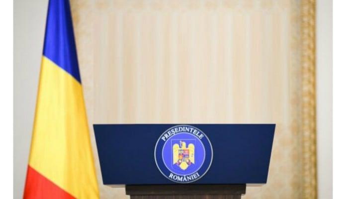 """Catalin Striblea: """"Alegerile prezidentiale din România vor avea loc pe 10 si 24 noiembrie. Adica mai sunt patru luni si nu exista decat un candidat oficial. Intre timp, in Statele Unite au inceput dezbaterile electorale ale democratilor, iar primele candidaturi le stim de sase luni.  Cei 21 de candidati au o..."""" 1"""