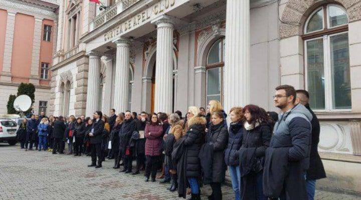 Primul Parchet din România care își suspendă activitatea, în semn de protest față de modificarile aduse legilor justiției 1