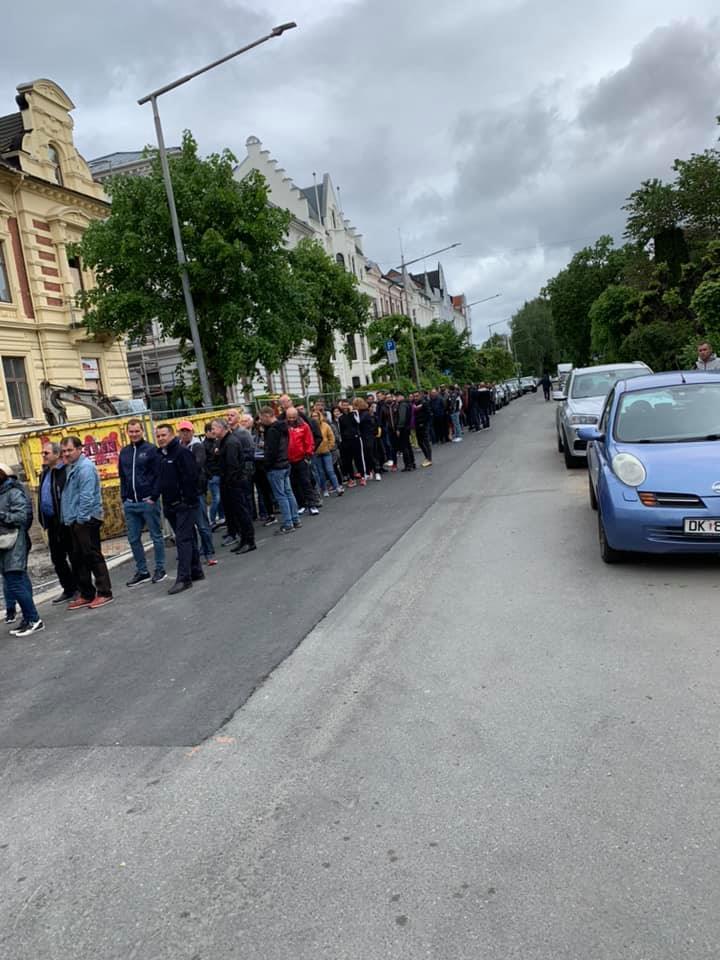 (Foto) Românii votează masiv!  Cozi la Cluj, București, Brașov, Iași. Dar și la Londra, Roma, München, Torino, Basel, Oslo ... 6