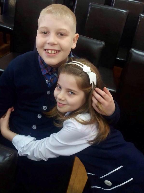 Gestul extraordinar al unei fetiţe din România, pentru a-şi ajuta un coleg cu autism 1
