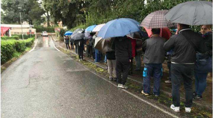 """(Foto) Cozi la vot! 1 milion de români din Diaspora vor merge la vot? Ramona Strugariu: """"Dragă diasporă inimoasă, vă mulțumesc pentru inspirație, am decis, mă duc duminică în ..."""" 2"""