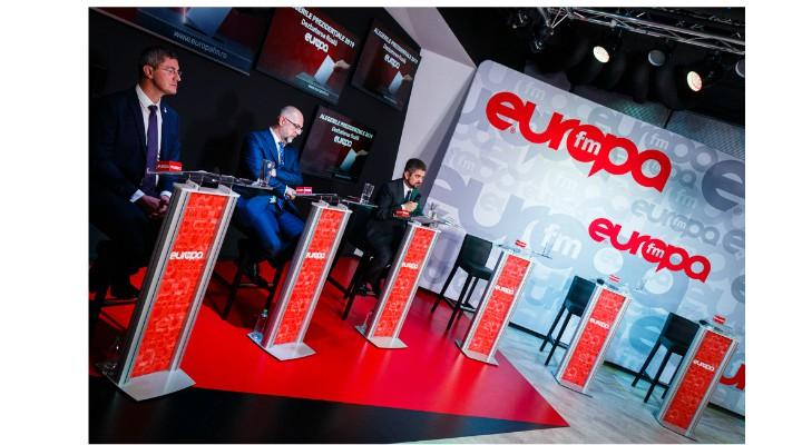 """Câți români s-au uitat la dezbaterea Europa FM de la care a lipsit Klaus Iohannis. Moise Guran: """"Nu știu cine a câștigat dezbaterea, dar e clar cine a pierdut-o: Klaus, Viorica, Mircea... pentru voi (și inteligenții care vă sfătuiesc) am încercuit în poză - nu e o surpriză că nu înțelegeți democrația, dar sunteți incapabili să înțelegeți noile generații și modul în care se mobilizează energiile acestora..."""" 2"""