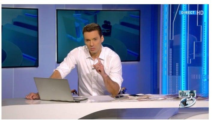"""Update. Chiar renunță Mircea Badea la Antena 3? """"De 14 ani, de la această măsuță, sunt în război. Îmi ajunge! Suficient. Mi se pare cinstit să vă spun. Vă mulțumesc mult pentru ..."""" 1"""