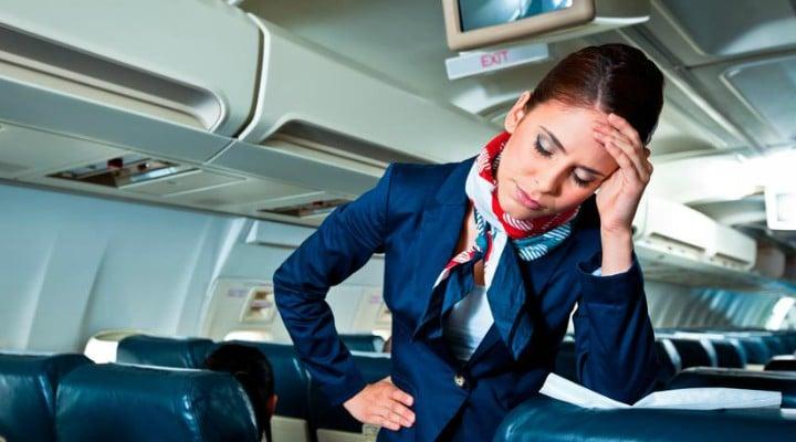 Stewardesă româncă, bătută de un pilot la bordul unui avion Emirates Airlines. Ce pedeapsă a primit acum bărbatul 1