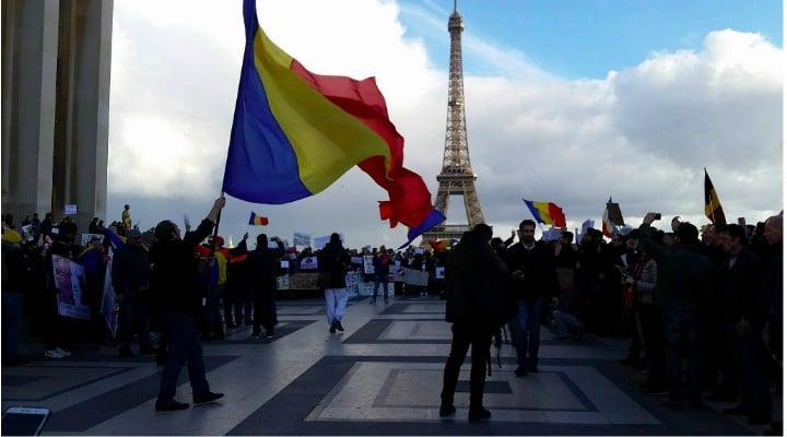 Pentru că își iubesc părinții și țara. Românii care muncesc în străinătate au trimis în ţară, în 2017, o sumă uriaşă de bani 1