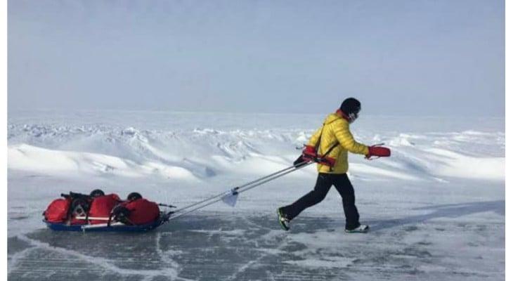 """Update. Românul Tibi Ușeriu, ultimii 50 de kilometri la Polul Nord. Mani Gutau: """"Se îndreaptă cu pași mici si repezi spre o performanta incredibila, castigarea pentru a treia oara, consecutiv, a celui mai dur ultra maraton de pe planeta Pamant ..."""" 1"""