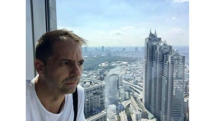 """Dan Negru: """"M-am dus eu sa cer scuze la Guvernul Japoniei. Așa arată clădirea guvernului metropolitan din Tokyo! La parter au o ..."""" 3"""