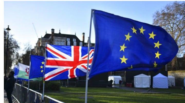 """Acordul Brexit a căzut. Stres maxim pentru 400,000 de români din Marea Britanie. Alin Mituta: """"Votul din Parlamentul britanic împotriva acordului pentru BREXIT creează haos cu doar 17 zile înainte de termenul de 29 martie ...Există două soluții în acest moment:..."""" 1"""