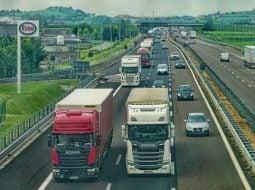 Ungurii mai au de construit 15 km de autostrada până la granița cu România, dar nu au la ce să se conecteze. Guvernul Dăncilă a scos România din noroaie dar a uitat de autostrăzi 11