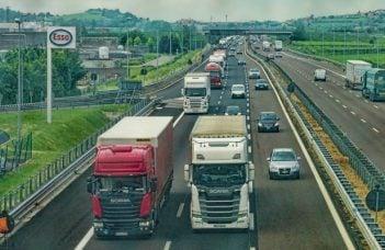 Ungurii mai au de construit 15 km de autostrada până la granița cu România, dar nu au la ce să se conecteze. Guvernul Dăncilă a scos România din noroaie dar a uitat de autostrăzi 2