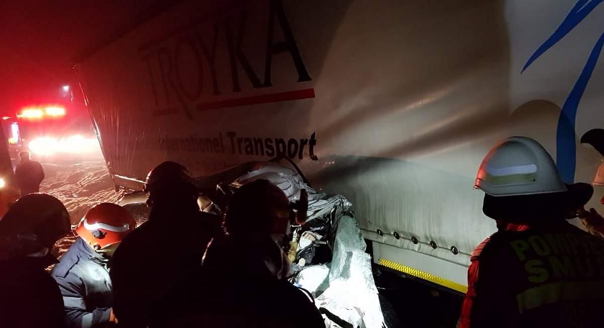 Cine sunt cei cinci tineri care au murit pe loc în accidentul se sâmbătă noapte. Șoferul s-a întors de la muncă din Anglia acum două zile şi voia să facă sărbătorile acasă 2