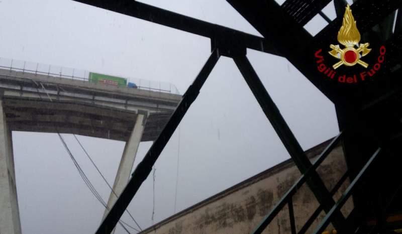 Mărturia unui român despre podul prăbuşit la Genova: 'Totul a început de la un fulger' 1