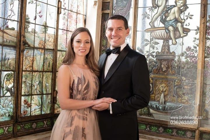 """(Foto) Principele Nicolae al României: """"Un album foarte frumos cu Alina-Maria Binder!"""" Le stă bine celor doi tineri căsătoriți? 4"""