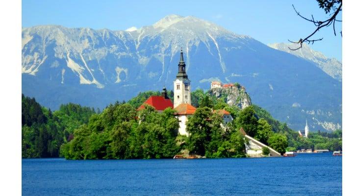 """Medicul Craiu Mihai: """"Gata!!! Mă mut în Slovenia...De ce? Simplu. Nu pentru ca e o țară foarte frumoasă, cu oameni frumoși fizic...Dra.. am realizat subit, că timp de o săptămănă ..."""" 1"""