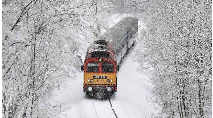 Vreme grea. Un al doilea sistem frontal asociat unui ciclon ajunge în România. Avertizare meteo pentru 7 județe 1