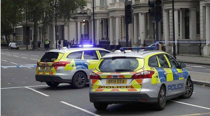 """Un român din Marea Britanie blocat într-un ambuteiaj a descoperit că iubita sa murise în accidentul care îngreuna circulația. """"Poliția m-a sunat pe mine și a sunat-o și pe mama ei. Se îndrepta spre muncă. Sorina era..."""" 1"""