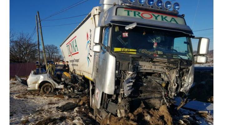 Cine sunt cei cinci tineri care au murit pe loc în accidentul se sâmbătă noapte. Șoferul s-a întors de la muncă din Anglia acum două zile şi voia să facă sărbătorile acasă 3