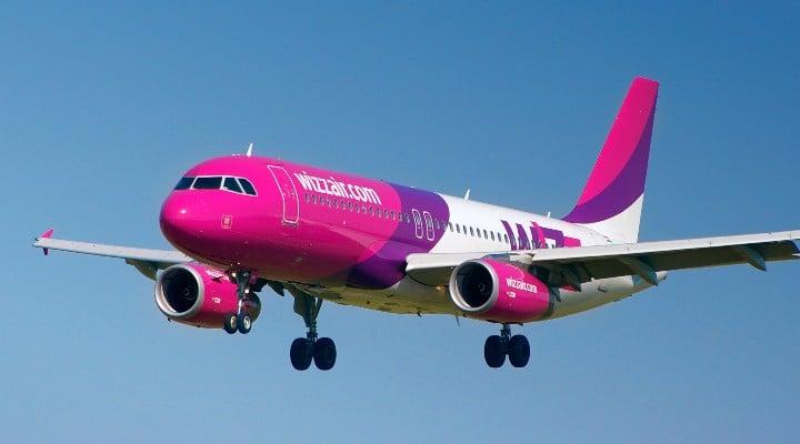 """Cine Câștigă, Tarom sau Wizz Air? """"Cu tot respectul, dar este o doar o chestiune de timp până când Tarom va disparea de pe piață"""" 1"""