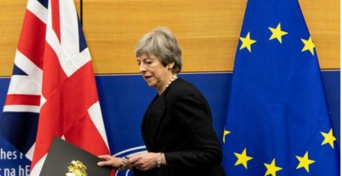 """Acordul Brexit a căzut. Ce urmează. Nicu Ștefănuță: """"Acordul Brexit respins din nou....Jocul nu s-a terminat. Mâine seară..."""" 3"""