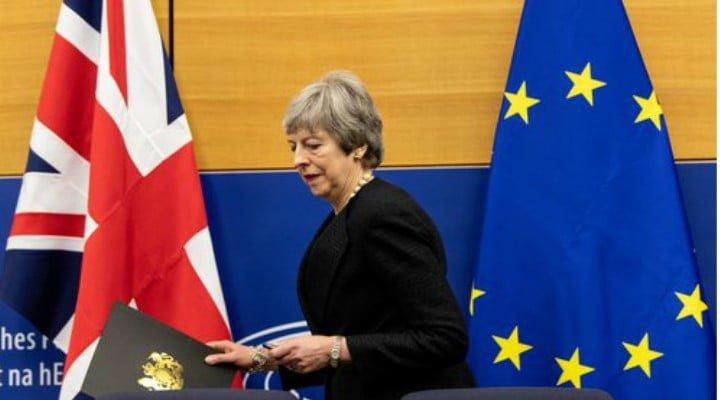 """Acordul Brexit a căzut. Ce urmează. Nicu Ștefănuță: """"Acordul Brexit respins din nou....Jocul nu s-a terminat. Mâine seară..."""" 1"""
