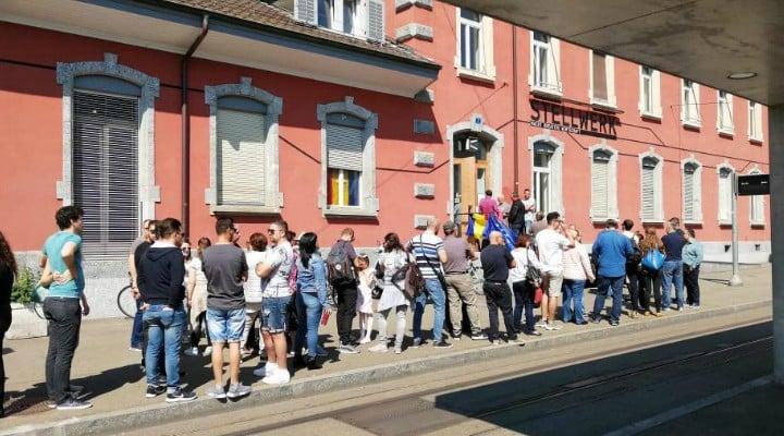 (Foto) Românii votează masiv!  Cozi la Cluj, București, Brașov, Iași. Dar și la Londra, Roma, München, Torino, Basel, Oslo ... 2